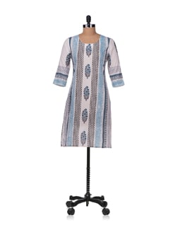 Vertical Patterns Kurta In Blue And Off-white - Cotton Curio