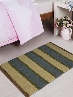 Rectangular stripped door mat
