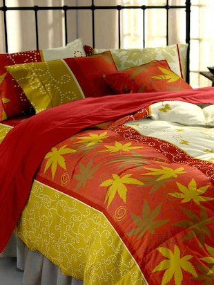 Dreamscape 220TC 100% Cotton Red  Floral Double bedsheet set
