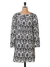 Printed Polyester Round Neck Dress - Oxolloxo