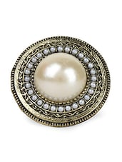 Golden Color Pearl Metal Alloy Ring - Femnmas