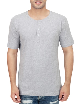 grey colored cotton t- shirt