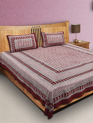 Finest Quality Cotton - Handmade Red and Black Booti on White base - Bagh Block Print Bedsheet with Pillow Covers - King Size