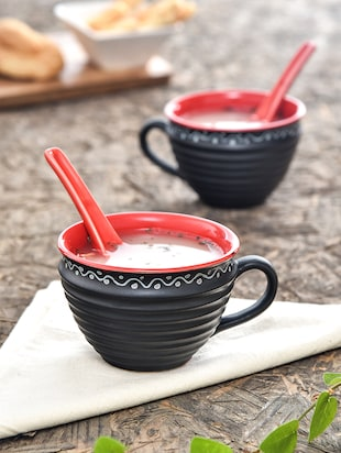 Ribbed Black and Red Soup Bowl with Spoon (Set of 4)