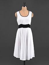 White & Black Sleeveless Rayon Kurta - LINGRA