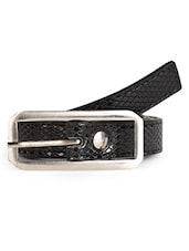 Textured Black Leatherette Belt - Scarleti