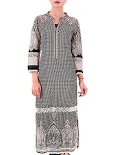 Black And Off White Cotton Regular Kurta - By