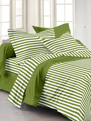 Story@ Home Green 100% Cotton Magic 1 Double Bedsheet  With 2 Pillow Cover