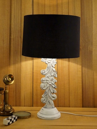 WHITE MANGO WOOD CARVED TABLE LAMP WITH DRUM SHADE