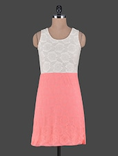 White & Orange Sleeveless Lace Dress - Aussehen