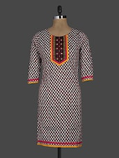 Round Neck Quarter Sleeves Printed Cotton Kurta - Kyaara