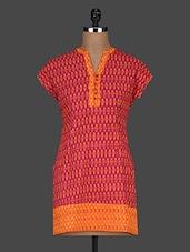 Printed Shorts Sleeves Cotton Kurti - AARDEE - 1135625
