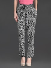 Monochrome Printed Pleated Pants - By