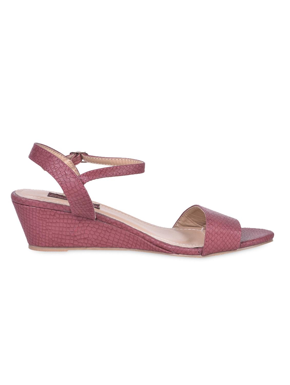 Textured Leatherette Maroon Wedge Sandals - Flat N Heels
