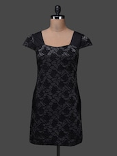Black Short Sleeve Polyester Shift Dress - SPECIES