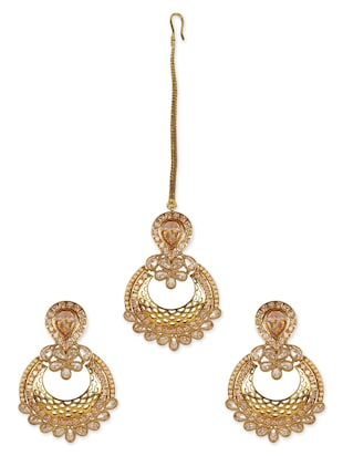 gold metal studded maang teeka with earings