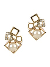 Gold Metallic Stones And Pearl Earrings - Golden Petals