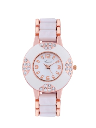 White water resistant metallic dial wrist watch