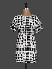 Houndstooth Pattern Print Monochrome Short Sleeve Dress - By