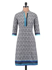 White And Black Cotton Printed Kurti - By - 1184121
