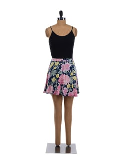 Floral Print Short Flared Skirt - Forever  New