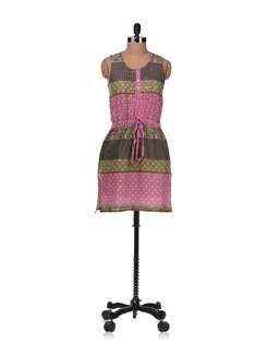 Pink Cotton Cambric Kurta With Yoke - Diva