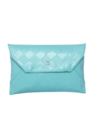 Turquoise blue leatherette textured clutch