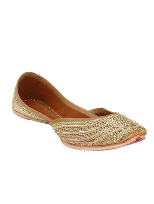 gold slip on mojari