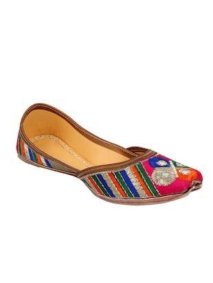 multi colored slip on mojari