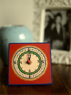 Red Table Clock - ExclusiveLane