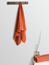 Red Cotton Plain Set  Of Bath Towels And Hand Towels - By