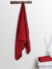 Red Cotton Plain Ladies Bath Towels And Hand Towels - By