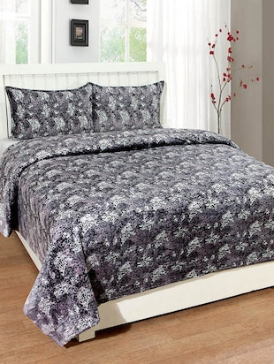 BSB Trendz Velvet Double Bedcover  With 2 Pillow Covers