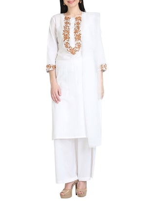 KAANCHIE NANGGIA white kurta dupatta set