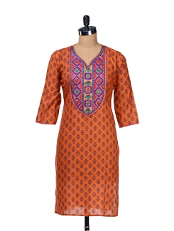 Block Printed Kurta With Embroidered Neckline - Varenya