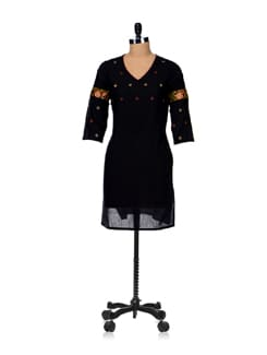Sombre Black Embroidered Kurta - Vedanta