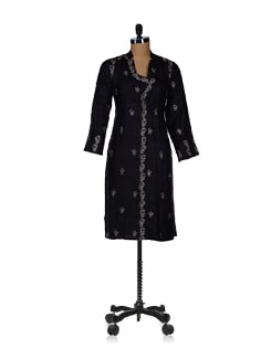 Embroidered Long Black Kurta - Vandeymatram