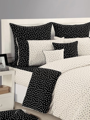Black and White Printed Bed Linen Set