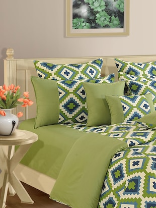 Green and Blue Patterned Bed Linen Set
