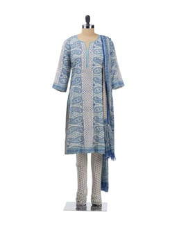 Paisley Print Kurta With Churidaar And Dupatta - KILOL