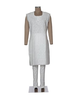 White Chikankari Kurta With Crochet Work - Ada