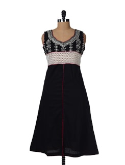 Black Cotton Kurta With White Crochet - Varan