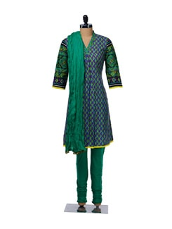 Leaf Print Pleated Suit - KURTAWALA