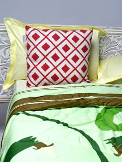 Green Leaf Print Double Comforter - HOUSE THIS