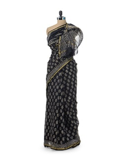 Paisley Motif Black And Beige Saree - Sakrip