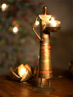 Trendy Brass Candle Holder Figurine - Malhar