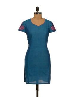Vibrant Blue Kurta With Paisley Motif Sleeves - Vedanta