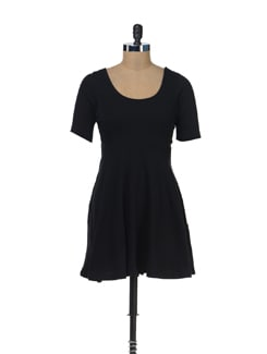 Mid Sleeved Little Black Dress - Femella