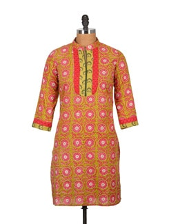 Sap Green And Pink Pure Cotton 3/4 Sleeve Kurti - Tamirha