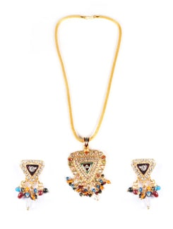 Trikona Pendant Design Jewellery Set - AAKSHI